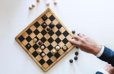 Posalux chess board strategy